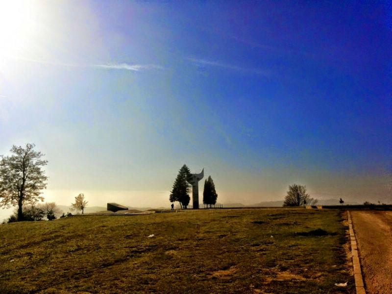 spomenik_smetovi_zenica