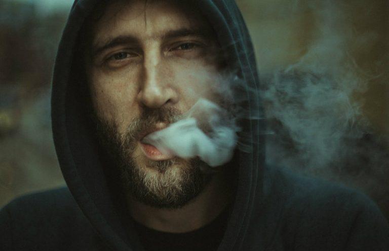 """Zašto je teško prestati pušiti: knjiga """"Lako je prestati pušiti"""" Allen Carr"""